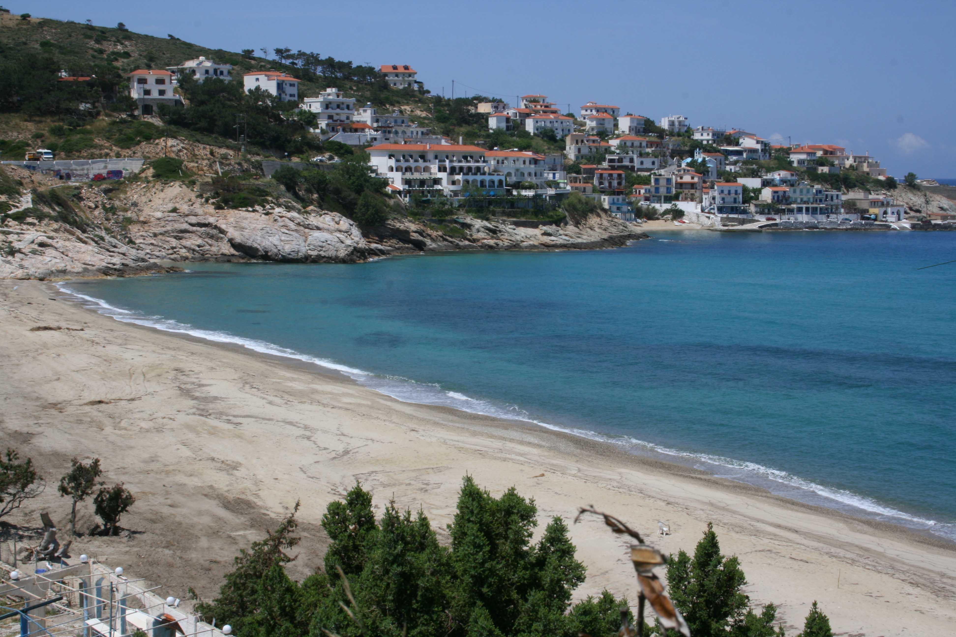 plage ikaria livadi près d'armenistis grece