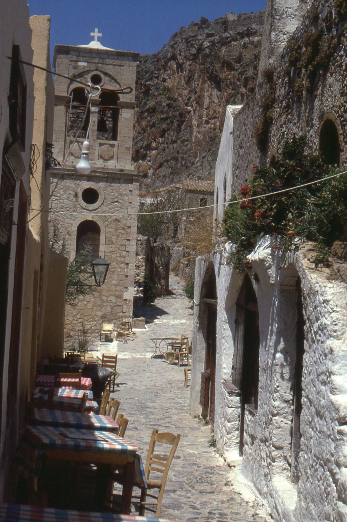 ruelle vieille ville monemvasia péloponnese sud Grece
